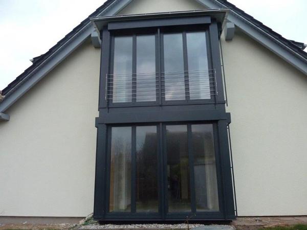 Erweiterung der Wohnfläche: Balkon - Modernisierung - Dachkonstruktion - Holzterrasse