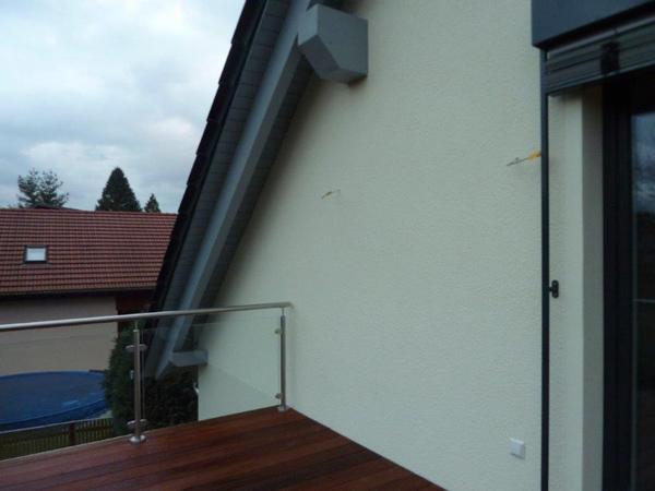 Modernisierung - Dachkonstruktion - Balkon - Holzterrasse mit Basan