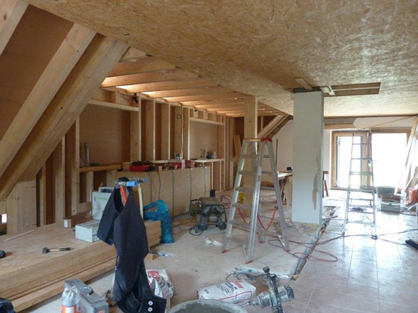 Basan: Dachkonstruktion - Modernisierung - Balkon - Holzterrasse