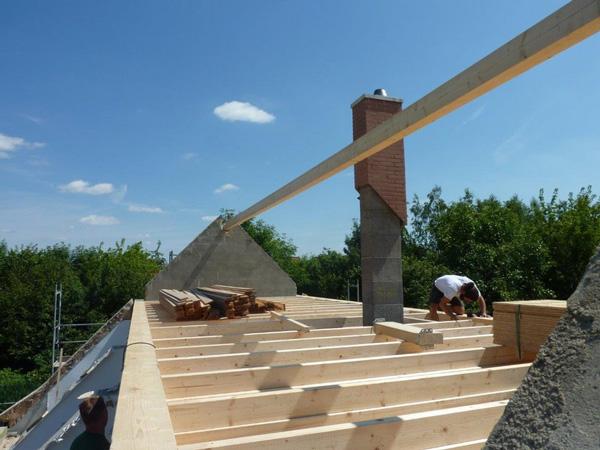 Dachkonstruktion - Modernisierung - Balkon - Holzterrasse mit Basan