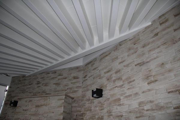 Holzüberdachung - Bauen mit Holz: Basan