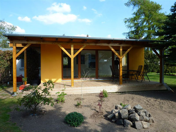 Holz: Wintergarten und Holzterrasse