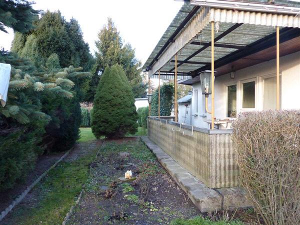 Wintergarten und Holzterrasse