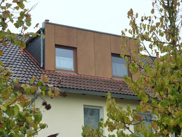 Basan. Bauwerke aus Holz: Dachgeschoss Ausbau
